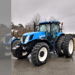 2013 New Holland T7.235