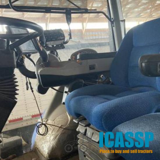 Used 2014 New Holland T8.420 for Sale in Michigan